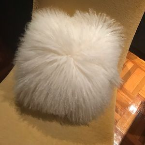 New Gorgeous LAMA FUR  Decorative Pillow